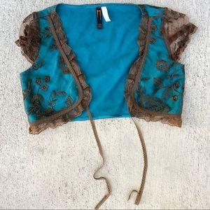 nelli U.S.A. floral lace shoulder tie top
